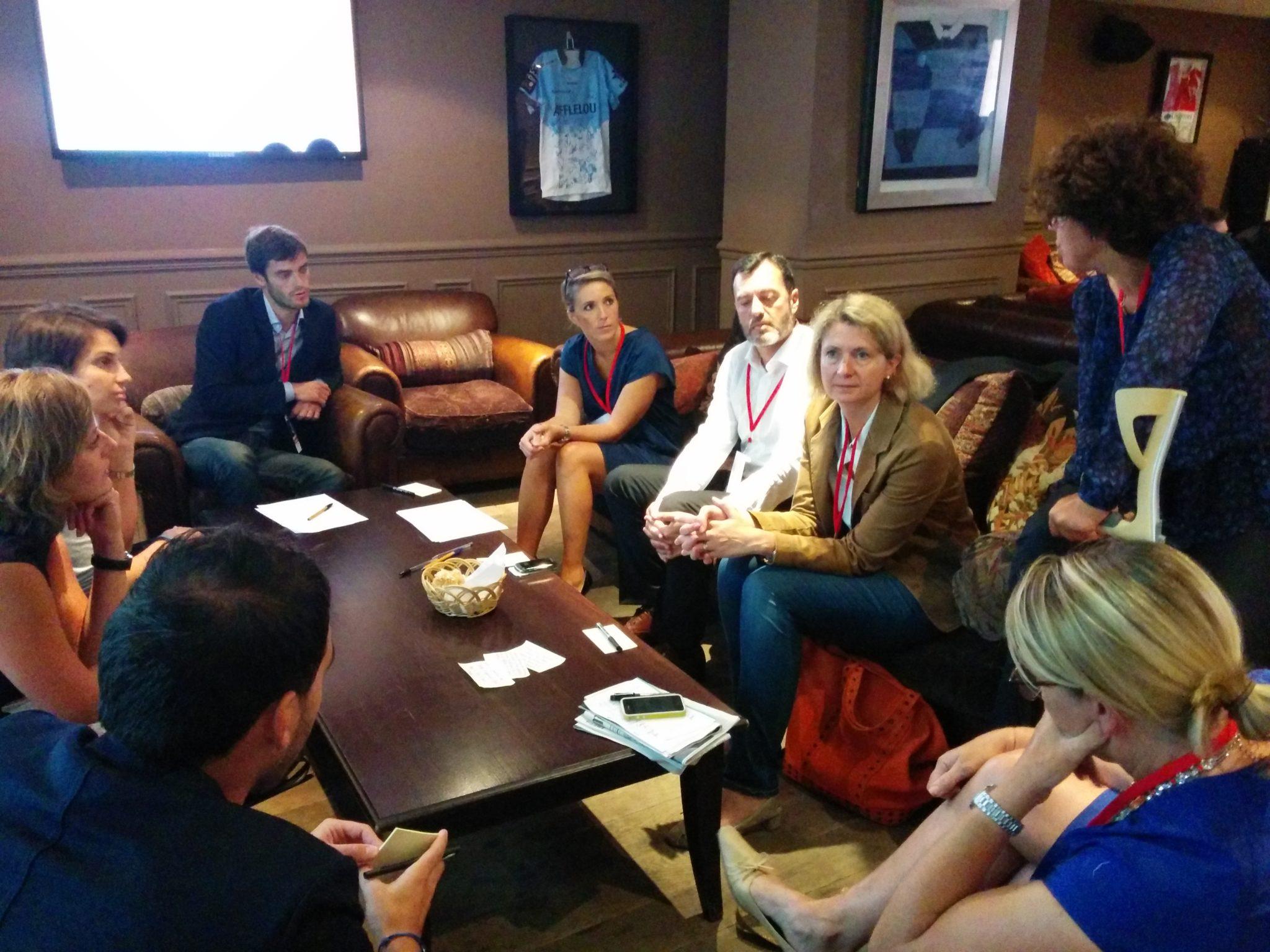 Groupe de travail, lors du Bar Camp, réflexion sur le contenu